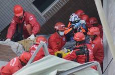 台南维冠大楼救援