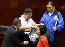 因代烧云林县垃圾惹议,台北市长柯文哲项目报告被批