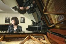 钢琴大师艾丽斯专访