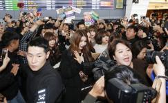 """韩国超人气女团""""GFRIEND""""抵台"""