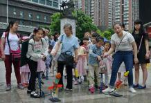 贵州科技馆让小朋友动起来