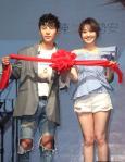 歌手陈势安举行生日音乐会,与歌迷欢度33岁生日