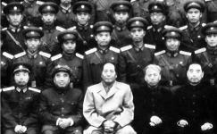 """林思平:中国""""白求恩""""的革命之路"""