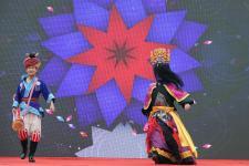 贵阳:春节灯会庙市揭幕
