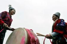 贵州黔东南苗族欢欢喜喜闹元宵