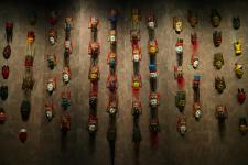 贵州博物馆地戏面具墙