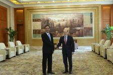 国台办主任刘结一会见朱立伦暨参访上海台企、台青创业基地