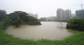 高雄暴雨,市区积水,多地灾情严重