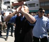 高雄市长韩国瑜到左营城隍庙参拜
