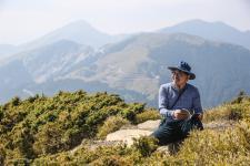 台湾著名社会文化观察家詹伟雄在合欢北峰举行高山读书会