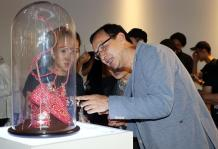朱立伦参观台湾青年创作展
